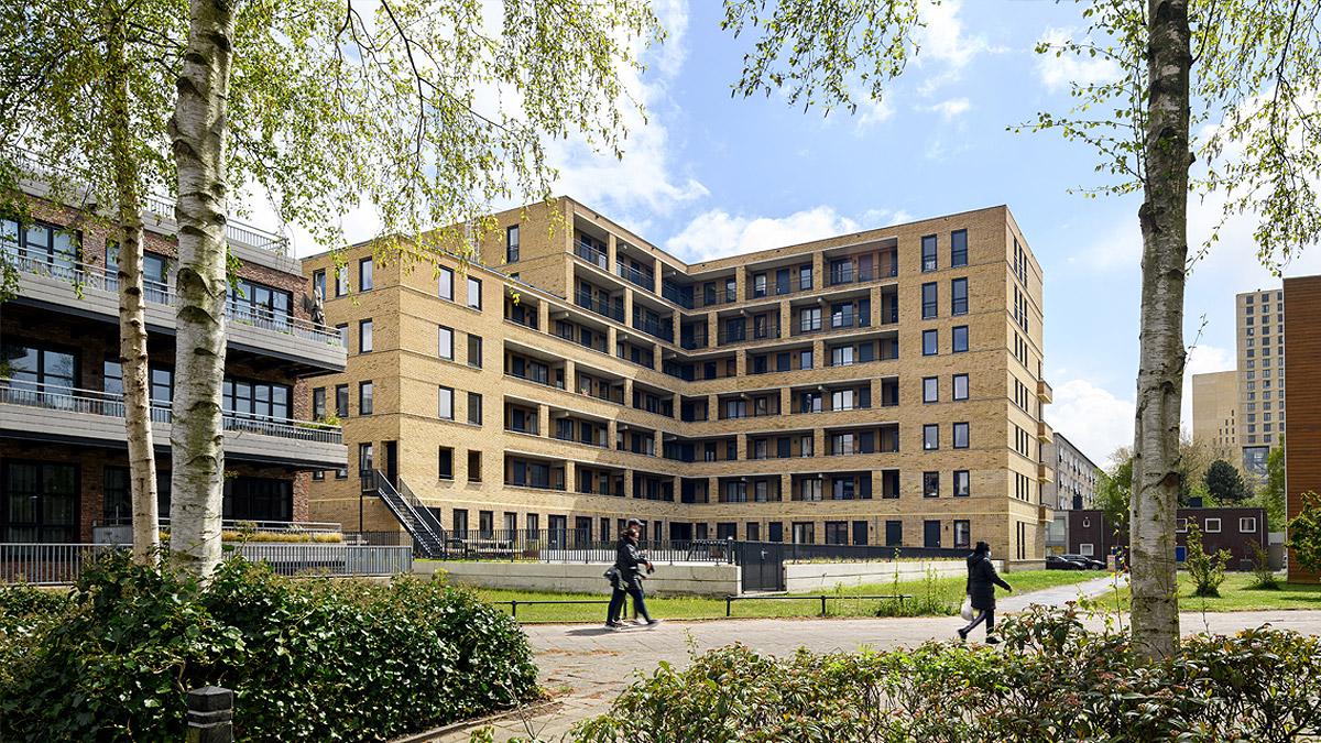 BNLA-architecten-nieuwbouw-woongebouw-omsloten-binnentuin