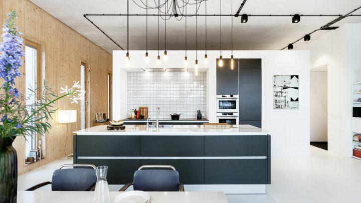 Patch 22, naar het ontwerp van architect Frantzen et al, huisvest verschillende types woon-werklofts met prachtig zicht over het IJ en de groene vergezichten. BNLA  ontwierp voor een van de lofts een duurzaam interieur met een hoogwaardig karakter.