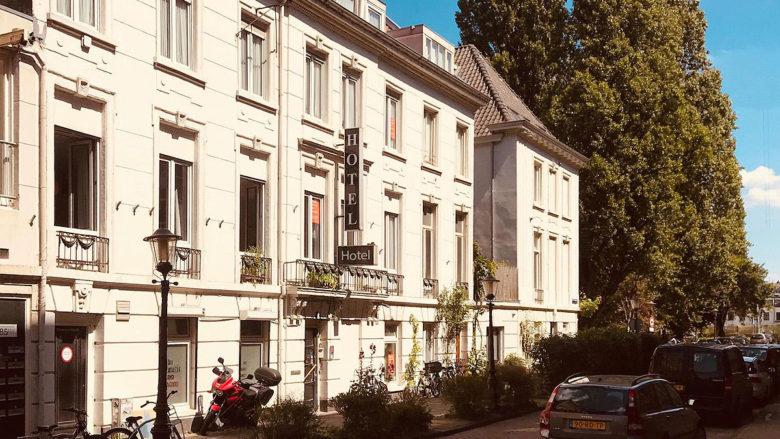 BNLA architecten is een mooie samenwerking aangegaan met Aedes Real Estate waarbij een monumentaal hotel in het Centrum Amsterdam wordt getransformeerd naar 9 hoogwaardige en duurzame woningen, ieder voorzien van tuin, dakterras of balkon.